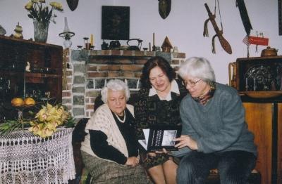Alina Midro i Maria Wieloch z Heleną Pasierbską i nową książką
