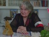 Szczęśliwa Pani Danuta Szyksznian po uroczystościach  udziela wywiadu